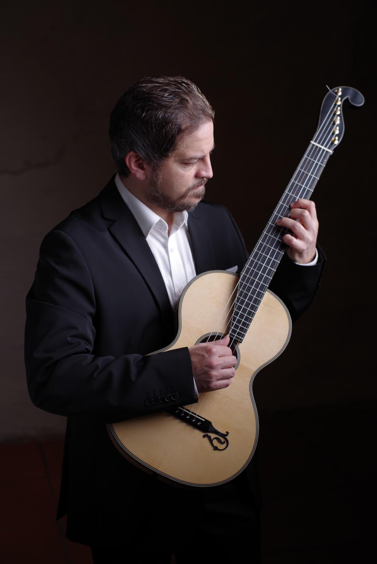 Kunstwerk - Sammlung Klein - Gitarrenkonzert Tomasson Iewa - Haengung #17