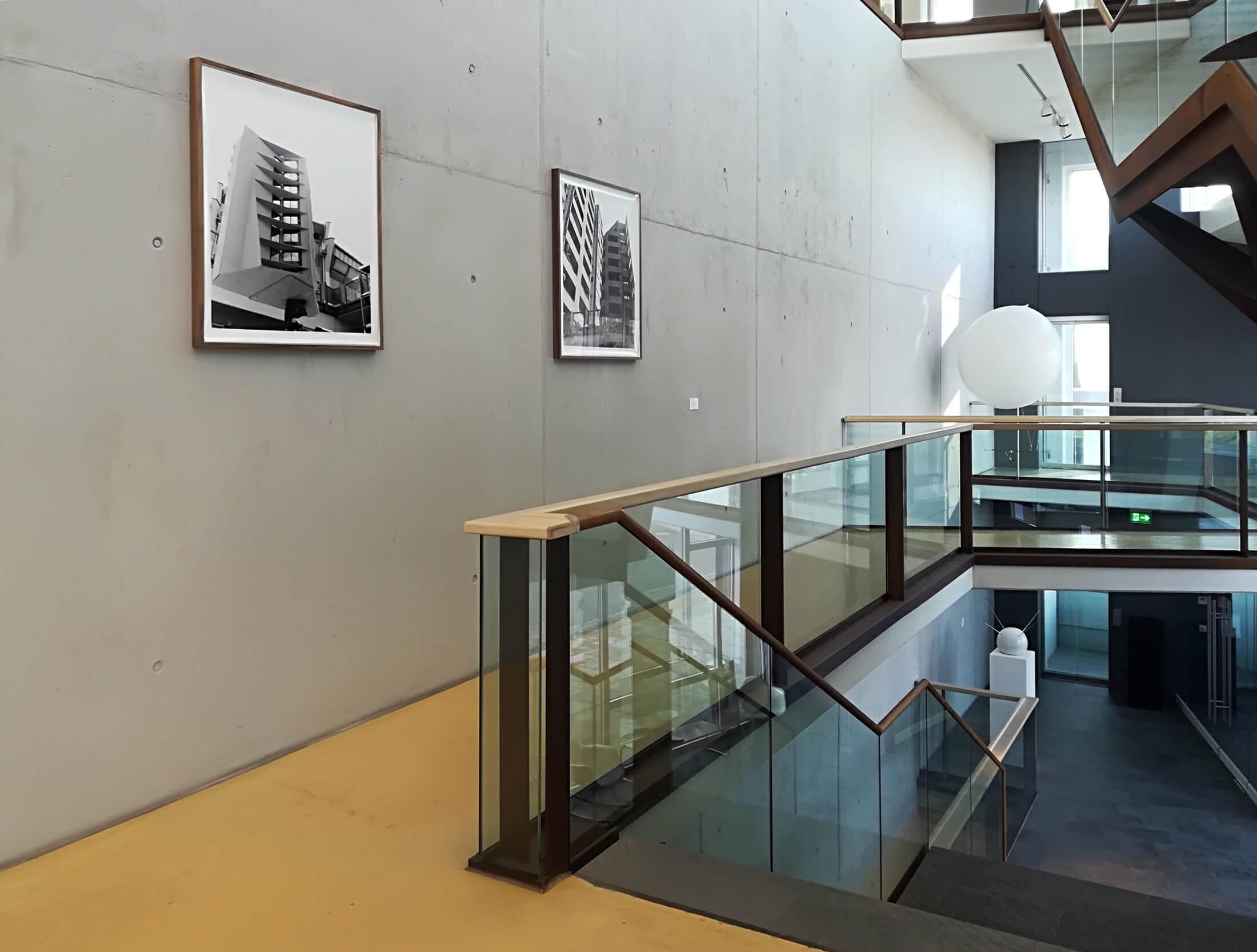 Kunstwerk - Sammlung Klein - Nussdorf - Museum - Kunst - Art - Baden-Württemberg - Hängung #18 - Räumlichkeiten - Julius von Bismarck - Top Shot Helmet - Sinta Werner